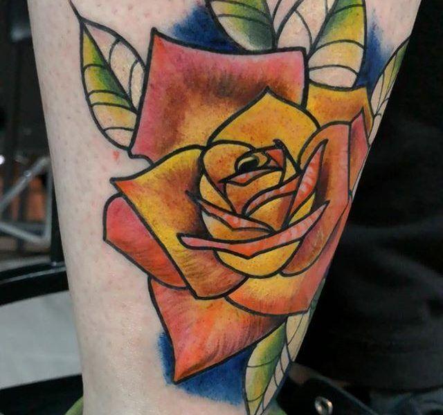 rosas neo tradicional tattoo