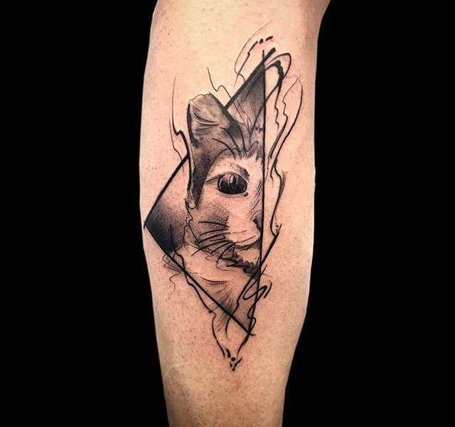 tatuaje gato neo tradicional
