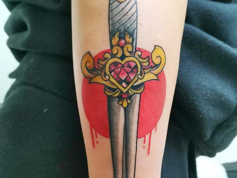 tattoo daga old school