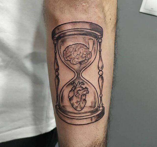 reloj de arena tattoo