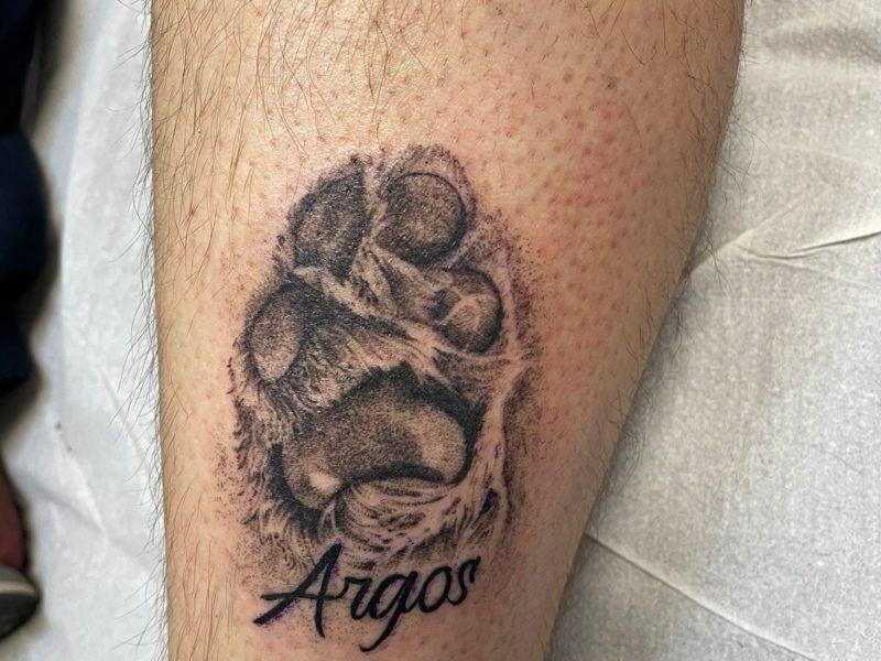 huella de perro realismo tatuajes