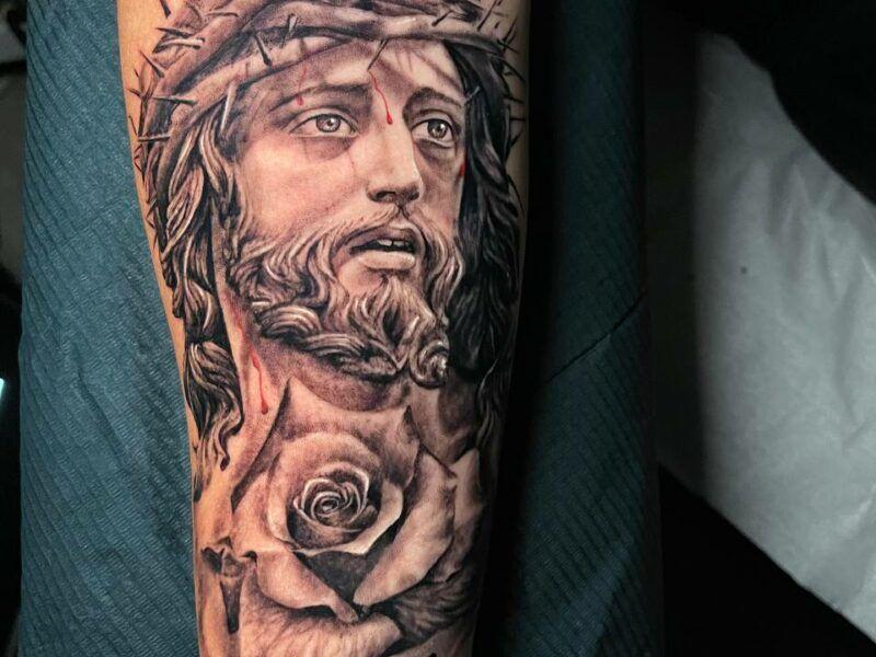tatuajes realistas religiosos