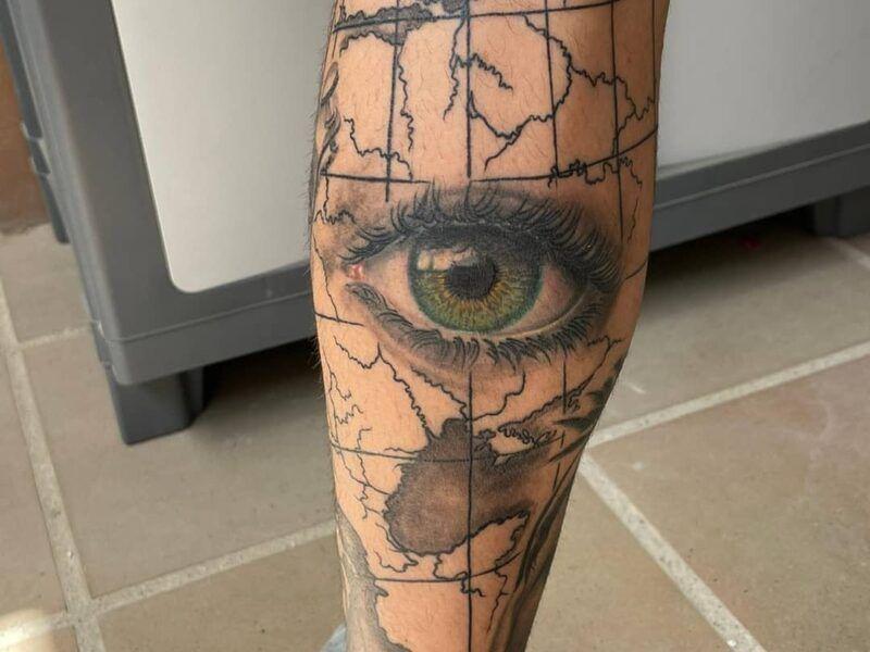 tatuajes ojo color