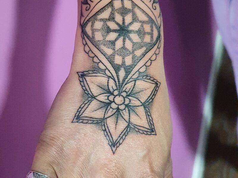 puntillismo tattoo