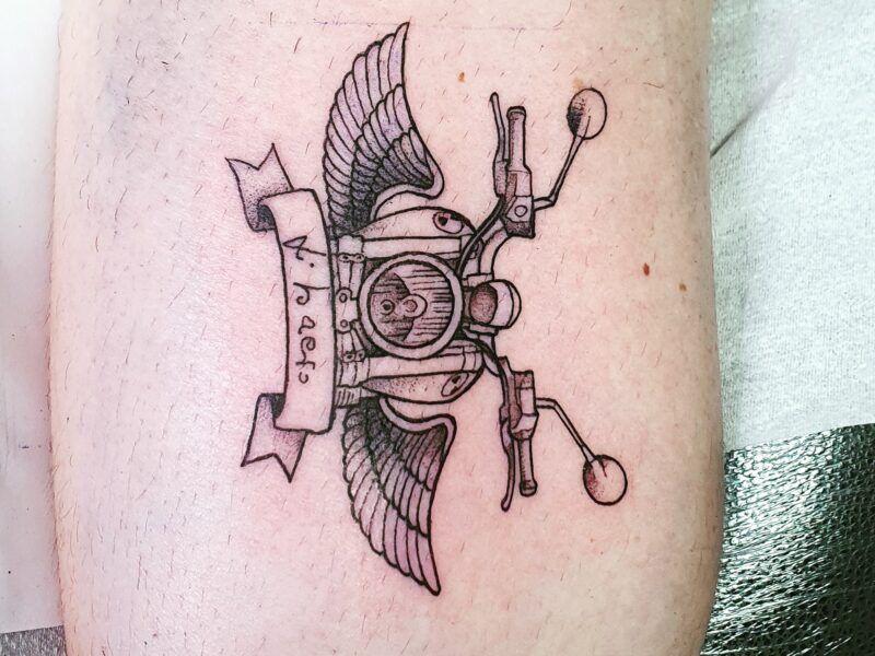 tatuaje fine line