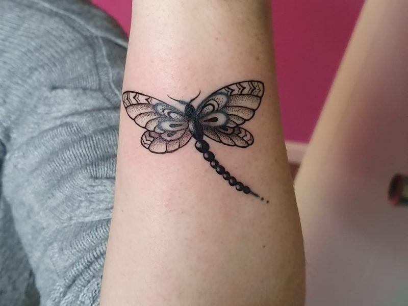 mariposa black work