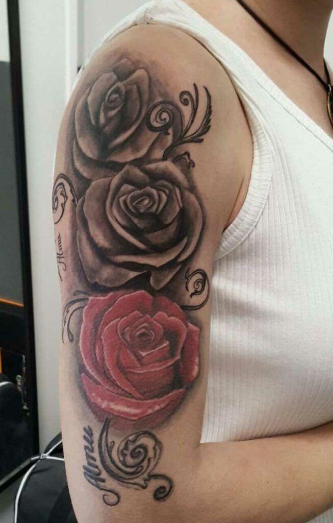 tatuaje-en-el-brazo-estilo-manga-para mujer